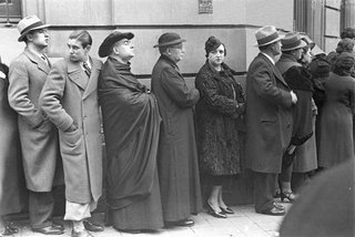 Line up for elections 1936 by Agustín Centelles