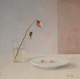 Plate with petals by Tomasa Martin