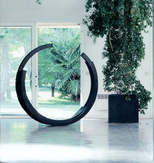 2365 Arc x IV Sculpture by Bernar Venet