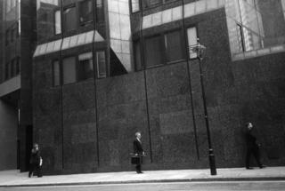 London 4 by Román Guerras