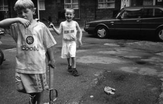 London 6 by Román Guerras