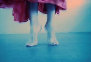 Tip Toe by Bettina Salomon