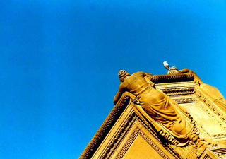 Monument, San Francisco by Anya Bartels-Suermondt