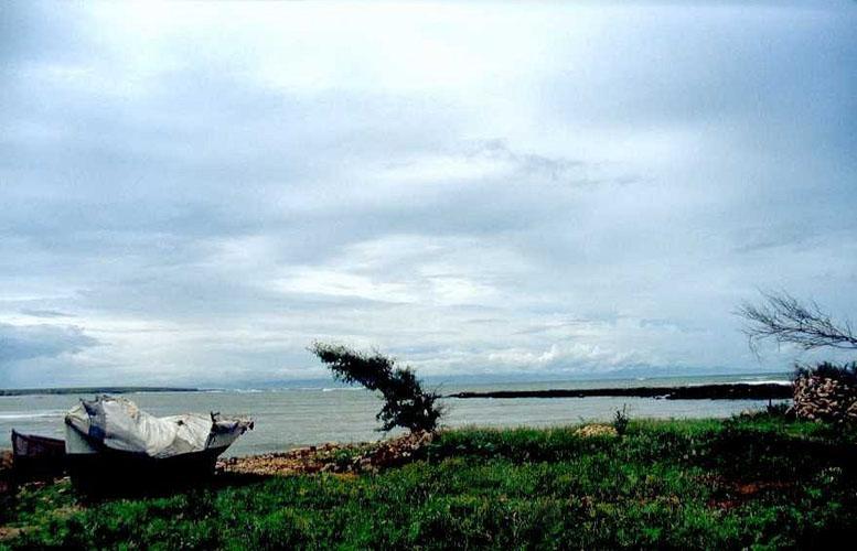 Bay & Boat, Africa by Anya Bartels-Suermondt