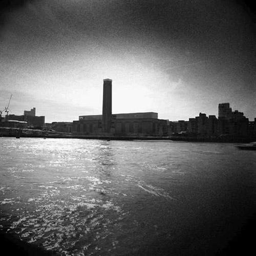 Thames 1 (Tate Modern, London) by Bill Peronneau