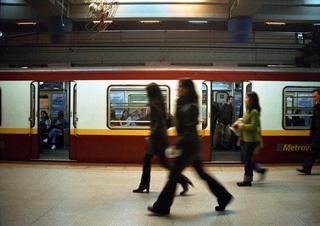 Subway 3 by Sebastián Alonso