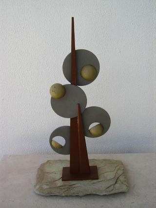 A Árvore das 4 Estaçoes by Joao Iglésias